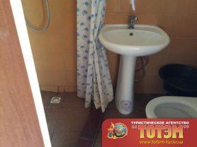 Душ, раковина, туалет в доме в SeaLine